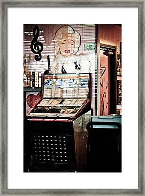 Juke Box Framed Print by Ellen and Udo Klinkel