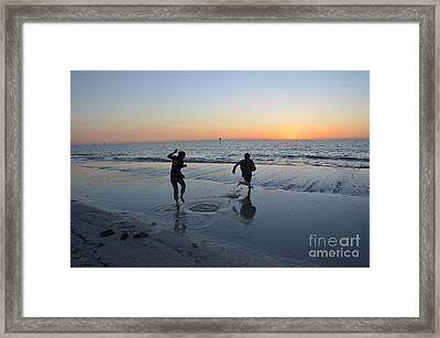 Kids At The Beach Framed Print by Robert Meanor