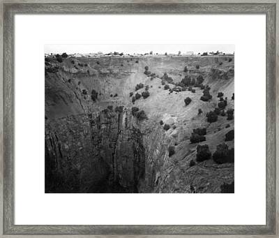 Kimberley crater Of Fortune Framed Print by Underwood Archives
