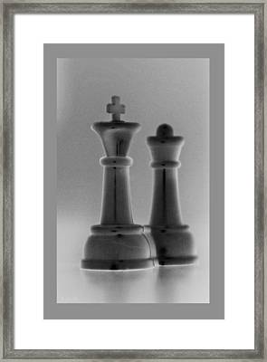 King And Queen In Black And Grey Framed Print by Rob Hans
