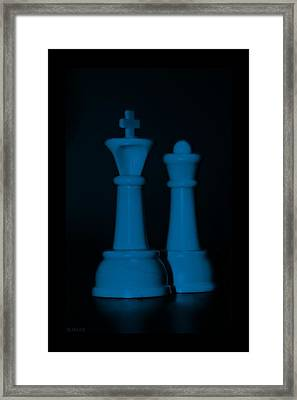 King And Queen In Blue Framed Print by Rob Hans