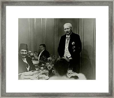 King Fuad And Paul Von Hindenburg At A Dining Framed Print by Erich Salomon