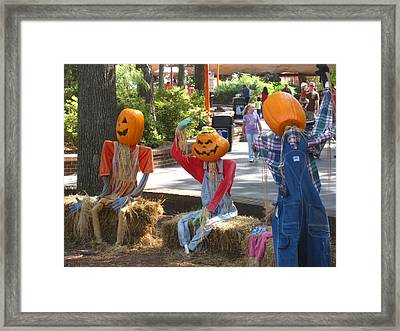 Kings Dominion - Halloween - 12124 Framed Print by DC Photographer