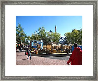 Kings Dominion - Shockwave - 12122 Framed Print by DC Photographer