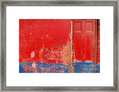 Knock Knock Framed Print by Susan Hernandez