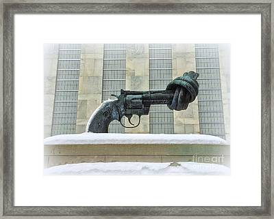 Knotted Gun Sculpture At The United Nations Framed Print