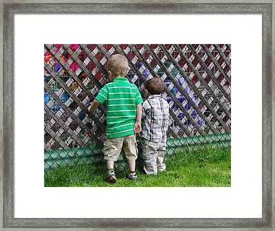 Framed Print featuring the photograph Kurious Kids by Greg Graham