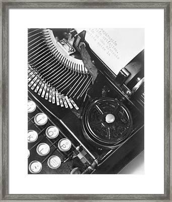 La Tecnica - The Typewriter Of Julio Framed Print by Tina Modotti
