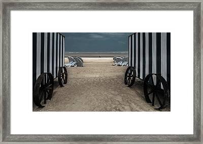 La Visite Framed Print
