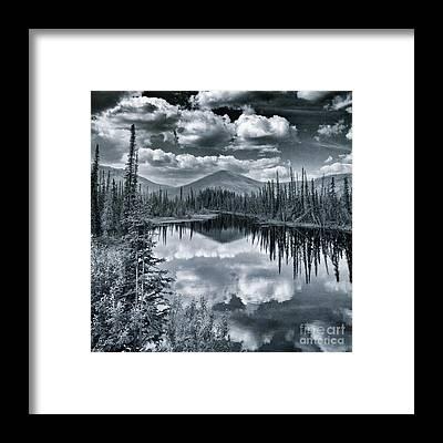 Kanada Framed Prints