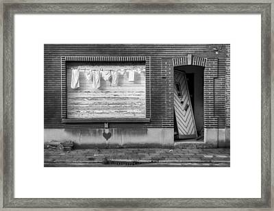 Laundry And Abandoned House Framed Print by Dirk Ercken
