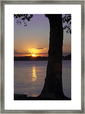 Leake Avenue Mississippi River Sunset Framed Print by Ray Devlin