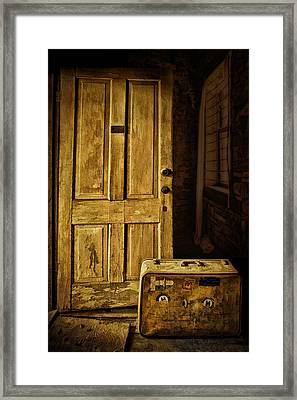 Leaving Home Framed Print by Priscilla Burgers