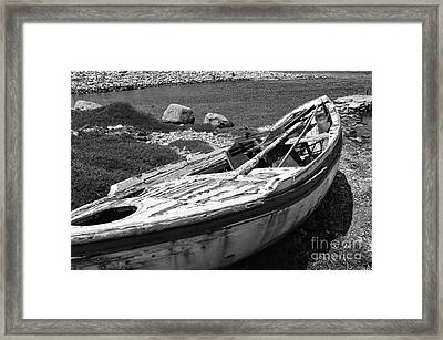 Left Behind On Delos Mono Framed Print by John Rizzuto