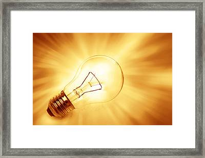 Light Bulb  Framed Print by Les Cunliffe