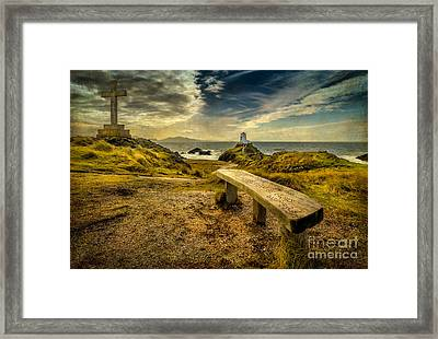 Lighthouse Viewpoint Framed Print