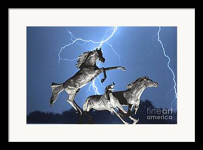 Images Lightning Photographs Framed Prints