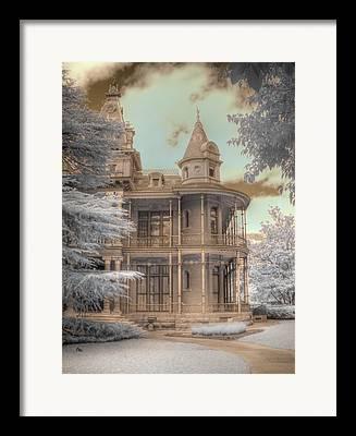 Vitorian House Framed Prints