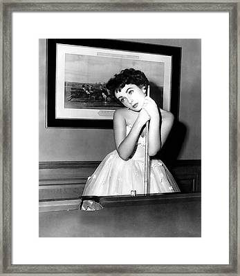 Liz Taylor Elizabeth Taylor Framed Print by Studio Photograph