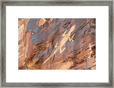 Lizard Petroglyph On Sandstone Framed Print