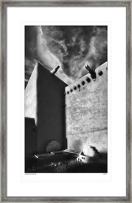 Lobo De San Francisco Asi Framed Print by Gary Warnimont