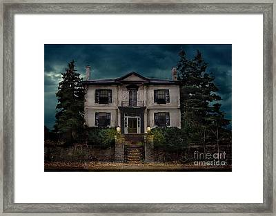 Locust Mount Framed Print by Tom Straub
