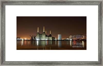 Framed Print featuring the photograph London 2 by Mariusz Czajkowski