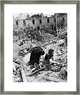 London Wwii Ruins Framed Print by Underwood Archives