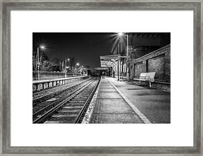 Lone Traveller. Framed Print by Gary Gillette