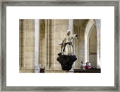 Look Over There Framed Print by Joanna Madloch
