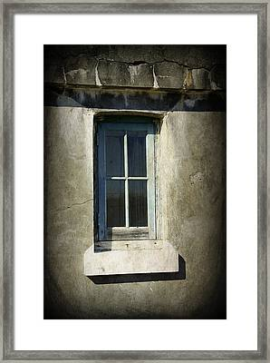 Looking Inwards Framed Print by Marilyn Wilson