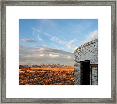 Looking Northward Framed Print by Glenn McCarthy Art and Photography