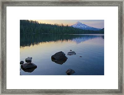 Framed Print featuring the photograph Lost Lake Morning 81014c by Todd Kreuter