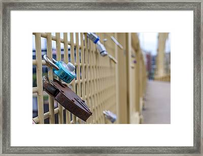 Love Locks Pittsburgh Pa Bridge Framed Print