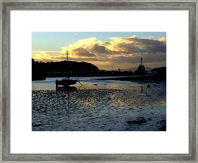 Low Tide On The Harbour Framed Print