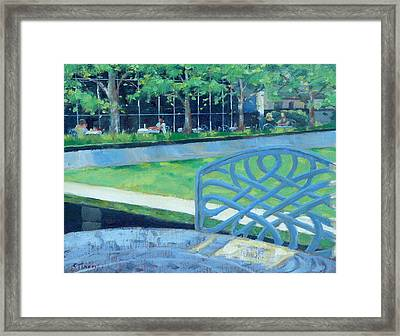 Lunch At The Frist Framed Print by Sandra Harris