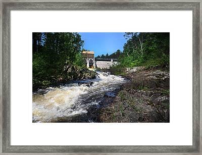 Lwv60014 Framed Print
