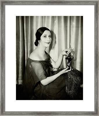Lynn Fontanne Holding A Statue Framed Print by Florence Vandamm