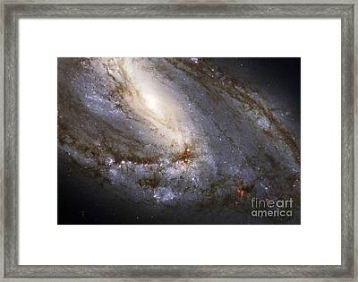 M66 In The Leo Triplet Framed Print by Science Source