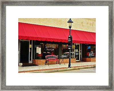 Main Street Bar And Grille In Walterboro Sc Framed Print by Bob Sample