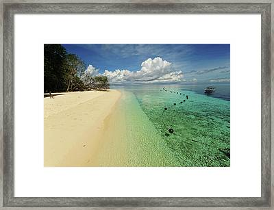 Malaysia, Borneo, Semporna Archipelago Framed Print
