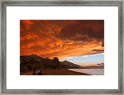 Mammatus Clouds Forming At Sunset Ahead Of Severe Thunderstorm Framed Print by Ken Biggs