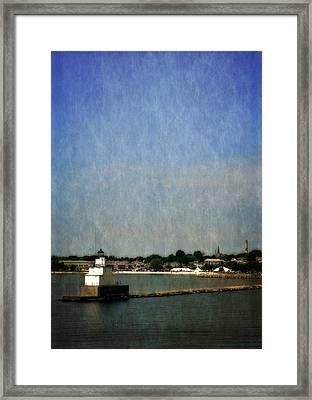 Manitowoc Breakwater Light 2.0 Framed Print by Michelle Calkins