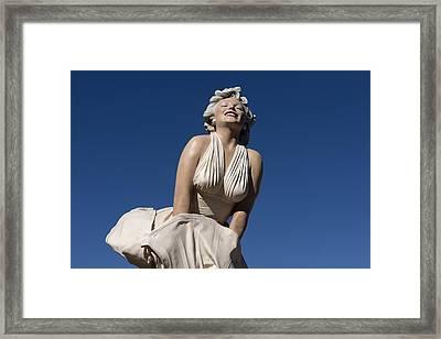 Marilyn Monroe Statue By Steward Johnson In Palm Springs Framed Print