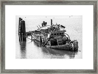 Mary D Hume Shipwreck - Rogue River Oregon Framed Print by Gary Whitton