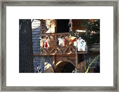 Maryland Renaissance Festival - Merchants - 121237 Framed Print by DC Photographer