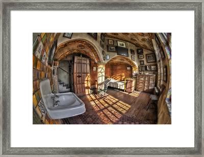 Master Bedroom At Fonthill Castle Framed Print by Susan Candelario