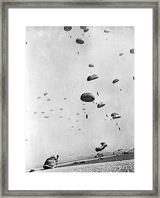 Members Of The First Allied Airborne Army Drop Behind German Pos Framed Print