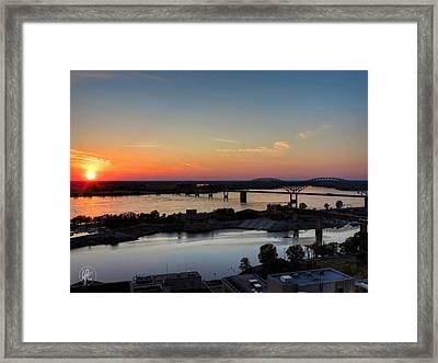 Memphis Sunset On The Mississippi 001 Framed Print by Lance Vaughn
