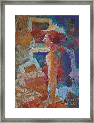 Mercado Lady Viewing Paintings Framed Print by Roger Parent